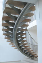 circular staircase with central stringers (metal frame and wooden steps) PETERSFIELD Flight Design
