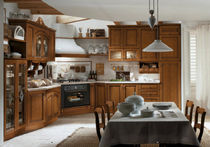 classic kitchen in varnished solid wood ROSY Corazzin Group - Contract & hotel