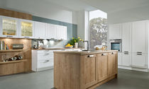 classic kitchen in wood veneer BOSTON/LOTUS HÄCKER