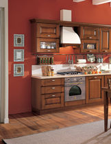 classic kitchen in varnished solid wood BEATRICE Corazzin Group - Contract &amp; hotel