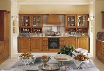 classic solid wood kitchen MONFORTE GRATTAROLA