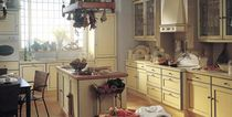 classic solid wood kitchen (oak) AMPURDAN xey