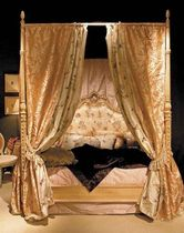 classic style canopy double bed ESSENCES Arte Arredo di BoscariniSchleret