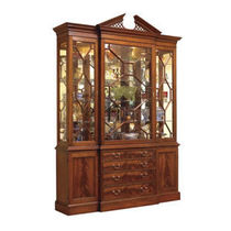 classic style china cabinet COLONIAL WILLIAMSBURG : KENSINGTON STICKLEY