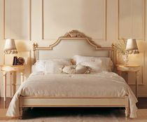 classic style double bed PARISIENNE GIUSTI PORTOS
