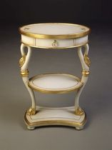 classic style side table 1650 William Switzer