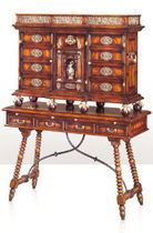 classic style sideboard with high legs THE BUTLER'S SPECIALITY ALTHORP