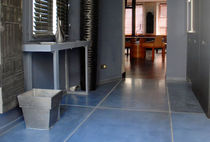 coloured concrete flooring EARTH GALERIE TAPORO