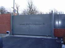 commercial sliding gate   Métal Passion