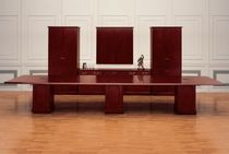 conference table STRATFORD krug