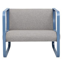 contemporary armchair OVA SESSEL STILTREU designstudio GbR