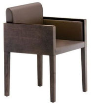 contemporary bridge armchair BOX 742 PEDRALI
