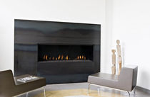 contemporary built-in fireplace (gas closed hearth) WOW  Waco & C°