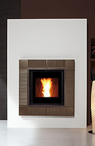 contemporary built-in fireplace (wood pellets closed hearth) MONTEGRAPPA PELLET POWER Caminetti Montegrappa