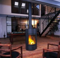 contemporary central wood-burning stove 30 St&ucirc;v