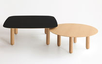 contemporary coffee table in solid wood MAEDA by Víctor Carrasco puntmobles