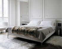 contemporary double bed by Antonio Citterio SELENE MAXALTO