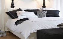 contemporary double bed DAY IS DONE by Henk Vos Gelderland