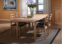 contemporary extending solid wood table 9249 ALDER dyrlund