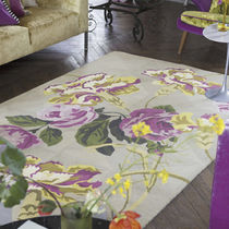 contemporary floral patterned rug  DESIGNERS GUILD