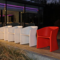 contemporary garden bridge armchair SLICED by Alain Gilles Qui est Paul