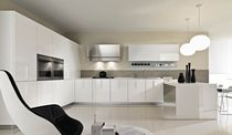 contemporary lacquer / glass kitchen MAGIKA Pedini
