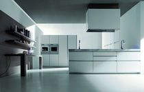 contemporary lacquer kitchen (with island) UNIKA by Giancarlo Vegni EFFETI INDUSTRIE