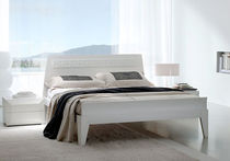 contemporary lacquered double bed THINK f