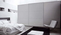 contemporary lacquered wardrobe with sliding doors BORDER NOVAMOBILI