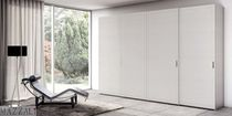 contemporary lacquered wardrobe with sliding doors QUADRANTE mazzali spa