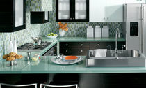 contemporary laminate / glass kitchen BENTWOOD CUSTOM bentwood Luxury Kitchens