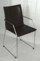 contemporary leather sled base chair GISA Arrben di Benvenuto Ottorino