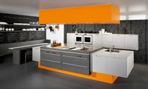 contemporary matt lacquer kitchen H20 MATRIX Hardy Inside