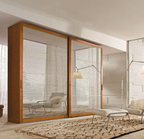 contemporary mirrored wardrobe  Falegnami