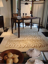 contemporary motif rug in wool and silk ALGUE GARBARINO