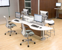 contemporary multiple workstation for open-space SYNC�  nurture