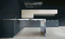 contemporary painted wood kitchen +01/D MVK ITALIA