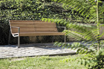 contemporary public bench in wood and metal (with backrest) PREVA URBANA by David Karásek, Radek Hegmon  mmcité
