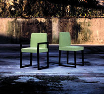 contemporary sled base chair GREEN OPOSTOS - PLURAL BRAND SINGULAR OPTION