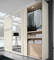 contemporary sliding door mirrored wardrobe Legno con cornice e