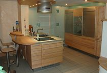 contemporary solid wood / glass kitchen  Pfister Möbelwerkstatt