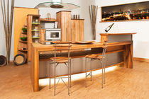 contemporary solid wood kitchen (walnut) Insel Pfister Möbelwerkstatt