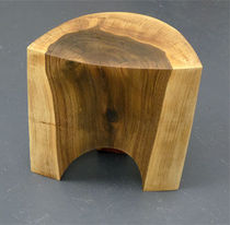 contemporary solid wood stool LEMON Peter Hook
