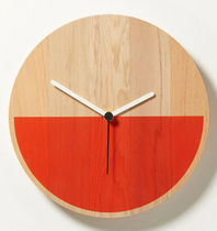 contemporary wall clock PRIMARY by D.Weatherhead & GOODD thorsten van elten