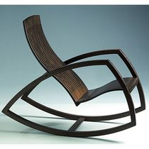 contemporary wooden rocking armchair GAIVOTA by Reno Bonzon Objekto