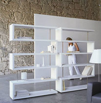 contemporary wooden shelf GIRO by Estudio Sb Rafemar