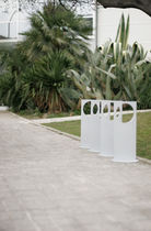 cycle stand for public spaces ON by Ramon & Bassols Alis