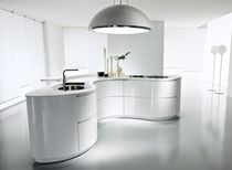 design lacquer kitchen (with curved island) DUNE Pedini