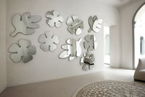 design wall mirror LOTUS & FRASCA by T. Colzani Porada