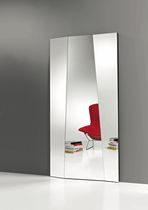 design wall mirror AUTOSTIMA by G.T.Garattoni TONELLI Design